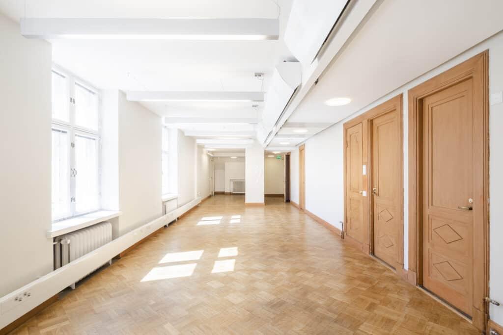 Lönnrotinkatu 5 Vuokrattavat toimitilat Helsinki
