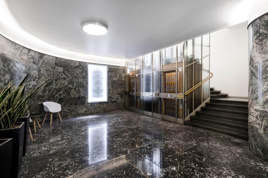 Kalevankatu 6 hissiaula Vuokrattavat toimitilat Helsinki