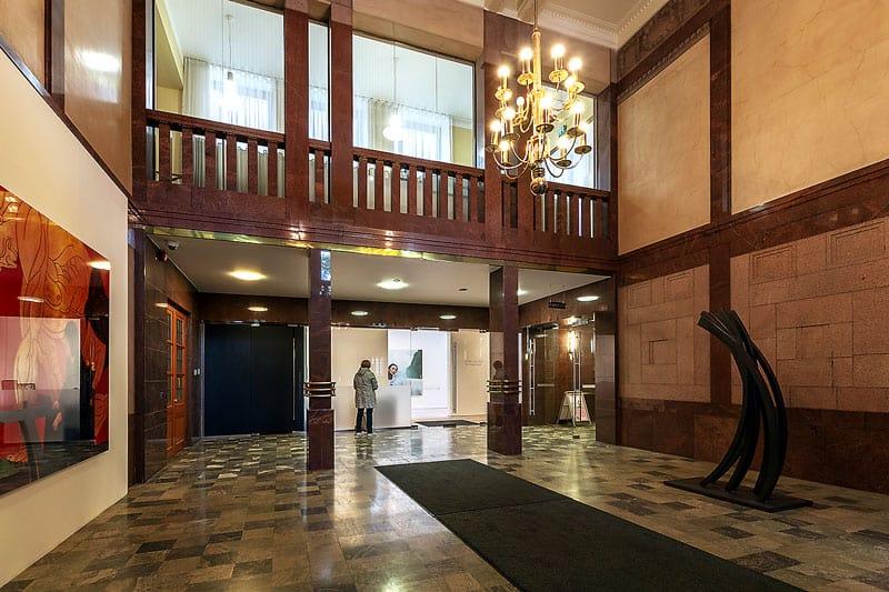 Lönnrotinkatu 5 aula Vuokrattavat toimitilat Helsinki